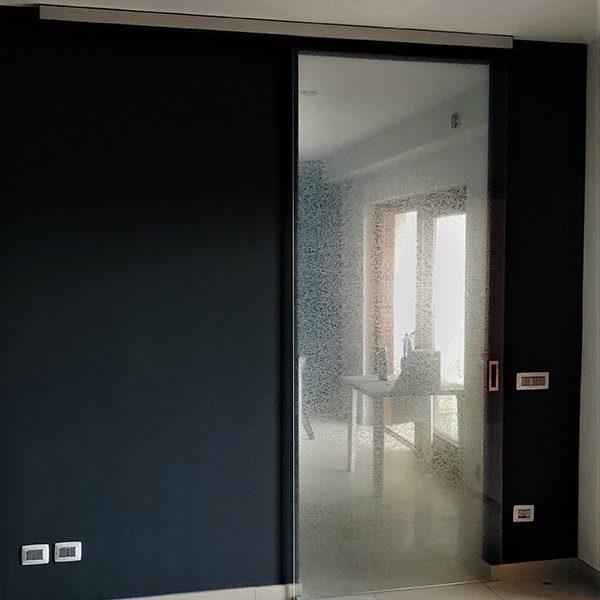 scorrevole-esterno-muro-vetreria-kroton-06